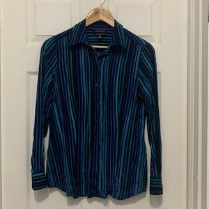 FOXCROFT striped, fitted dress shirt, size 6.